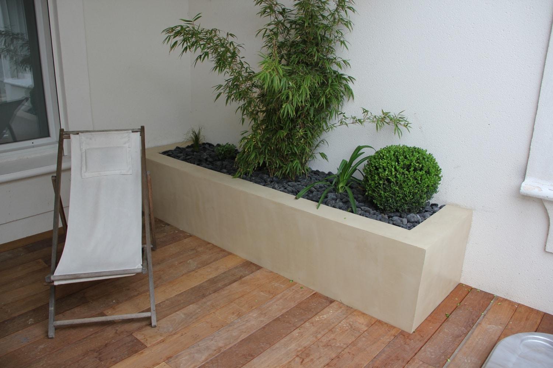jardinières en beton ciré sur terrasse en ipé surélevée